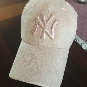 New Era Accessories - New Era Suede 9 Forty Cap in Blush Pink 6c500d746bd